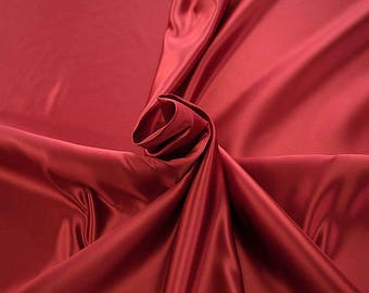 978101-Polyester Satin 100%, 150 cm wide, made in Italy, dry cleaning, weight 260 gr, price 1 meter: 23.84 Euros