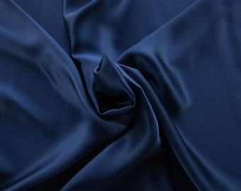 1712-157-crepe Satin natural silk 100%, wide 135/140 cm, made in Italy, dry cleaning, weight 100 gr, price 1 meter: 58.87 Euros