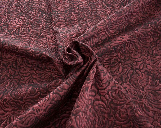 990062-114 JACQUARD-Co 53%, Pl 37, Pa 10, width 140 cm, made in Italy, dry cleaning, weight 279 gr, price 1 meter: 57.41 Euros