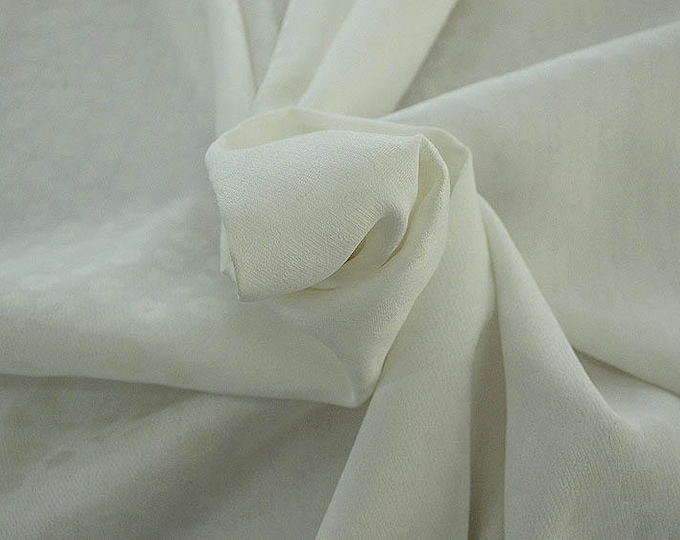 990021-002 JACQUARD, VI 90%, PA 10, 150 cm wide, manufactured in Italy, dry cleaning, weight 228 gr, price 1 meter: 53.42 Euros