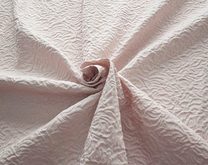 990062-140 JACQUARD-Co 53%, Pl 37, Pa 10, width 140 cm, made in Italy, dry cleaning, weight 279 gr, price 1 meter: 57.41 Euros