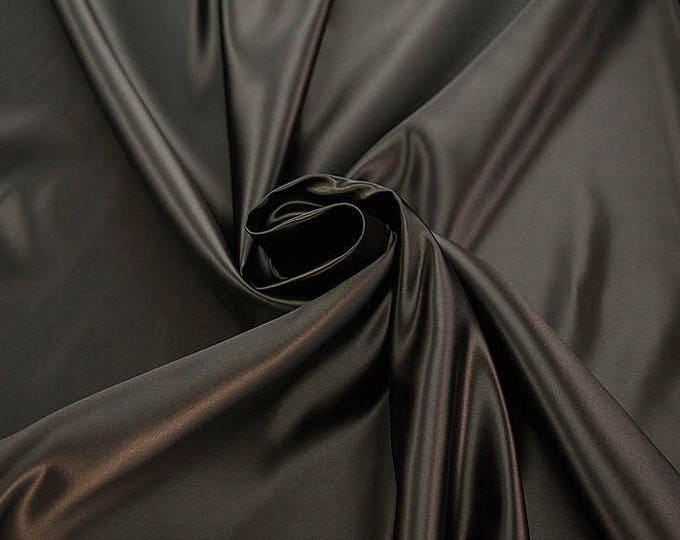 978027-Polyester Satin 100%, 150 cm wide, made in Italy, dry cleaning, weight 260 gr, price 1 meter: 23.84 Euros