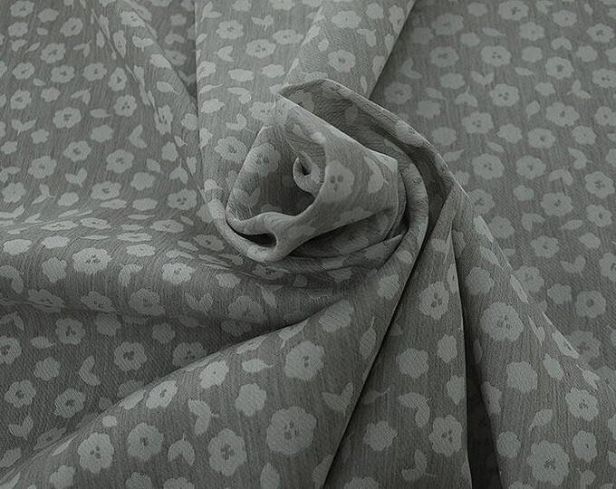 990021-015 JACQUARD, VI 90%, PA 10, 150 cm wide, manufactured in Italy, dry cleaning, weight 228 gr, price 1 meter: 53.42 Euros
