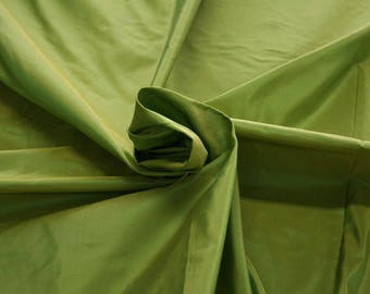 442081-dresses Natural silk 100%, wide 135/140 cm, made in India, dry cleaning, Weight 102 gr, price 1 meter: 43.14 Euros