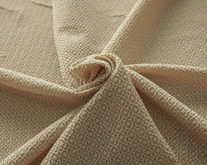 99004-051 CHANEL-Co 58%, Pa 27, Pl 15, wide 135 cm, made in Italy, dry cleaning, weight 276 gr, price 1 meter: 58.08 Euros