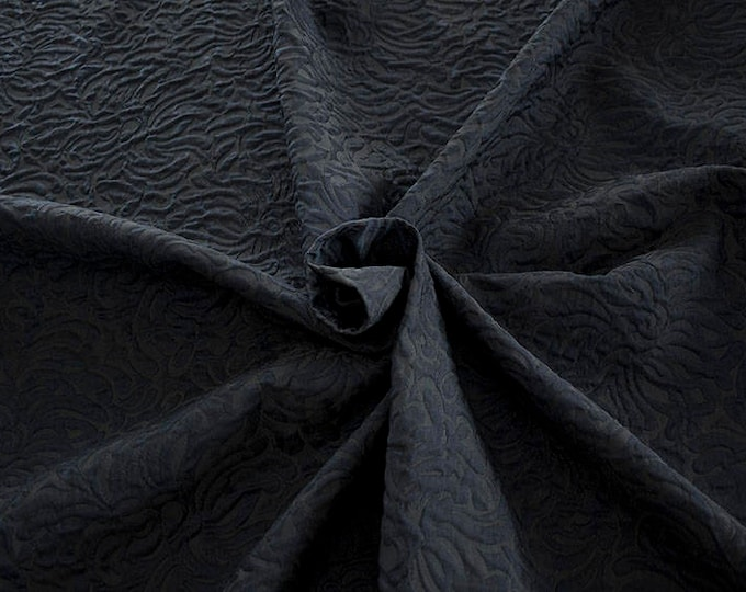 990062-046 JACQUARD-Co 53%, Pl 37, Pa 10, width 140 cm, made in Italy, dry cleaning, weight 279 gr, price 1 meter: 57.41 Euros