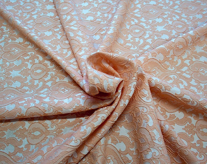 990071-128 Brocade-95% PL, 5 PA, 130 cm wide, manufactured in Italy, dry cleaning, weight 205 gr, price 1 meter: 52.94 Euros