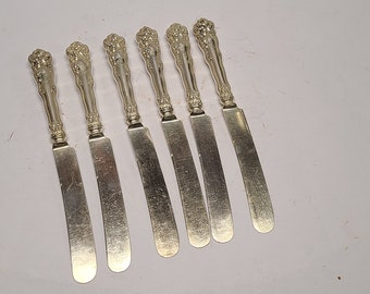 Assorted Patterns Makers Rare Lot of 6 Silver Plate Ornate French Blade Butter Spreader Knives Cheese Scoop #120