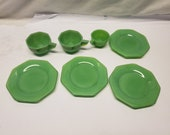 7 pieces colored Jade-ite small plates and miniature cups