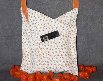 Origami-style Bag (Candy Corn)