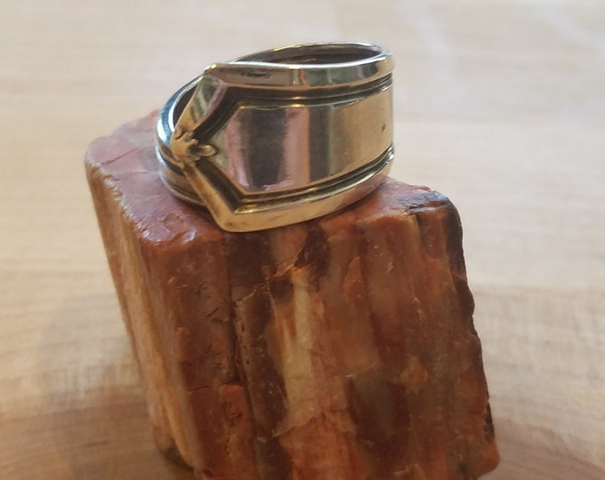 Spoon ring size 7 .