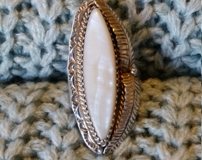 Stunning Mother of Pearl and Sterling Silver Ring Size 7