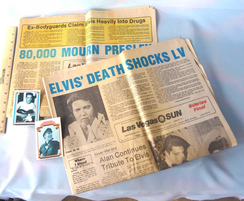 Aug 1977 Elvis Presleys Death 2 Las Vegas Nevada Newspapers Two Papers And Two Elvis Boxcar Baseball Cards From 1978