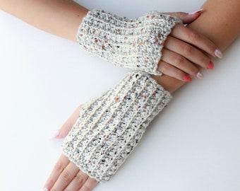 Crochet pattern- LAYLA Crochet fingerless gloves pattern-Women crochet pattern-Wrist Warmers pattern-Fingerless Mitts Pattern PDF Size S-M-L