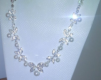 Beautifull silver 925 Leaves, With  Pearls and crystals.