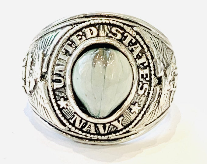Superb vintage sterling silver United States Navy signet ring - size Y or US 12