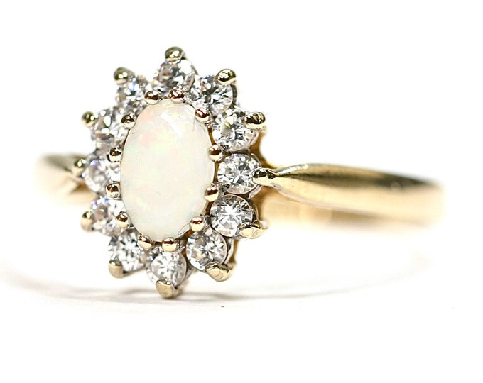 Superb vintage 9ct yellow gold Opal and Cubic Zirconia cluster ring - hallmarked Edinburgh 1987 - size O or US 7