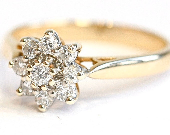 Superb sparkling vintage 9ct yellow gold  Diamond cluster / engagement ring - Birmingham 1985 - Size N or US 6 1/2