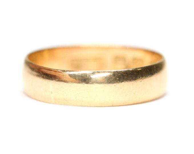 Superb vintage 22ct gold wedding ring - hallmarked Birmingham 1942 - size M or US 6