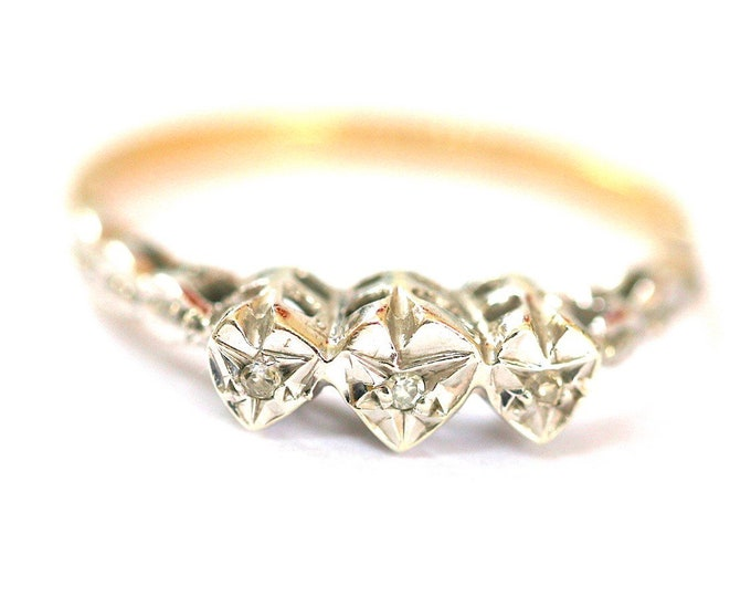 Stunning vintage 9ct yellow and white gold diamond ring - hallmarked London 1980 - size N or US 6.5