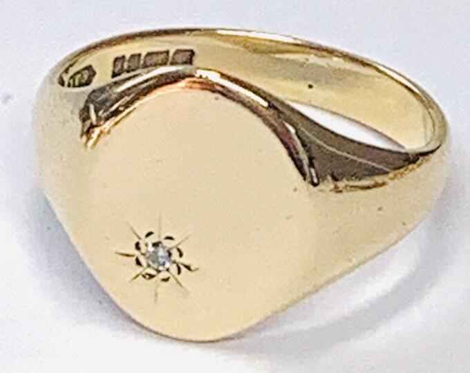 Vintage 9ct yellow gold diamond signet or pinky ring - hallmarked Birmingham 1977 - size P 1/2 or US 7 3/4