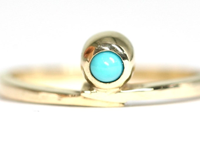 Vintage 9ct yellow gold Turquoise solitaire ring - hallmarked London 1981 - size N or US 6.5