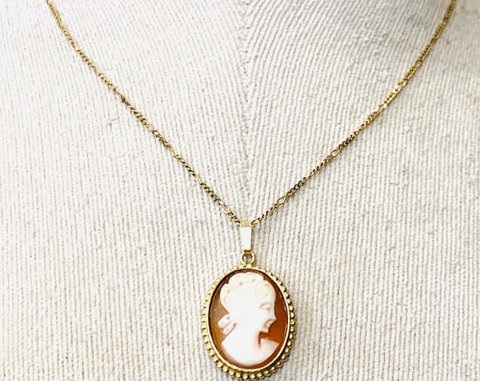 Vintage 9ct yellow gold Cameo pendant