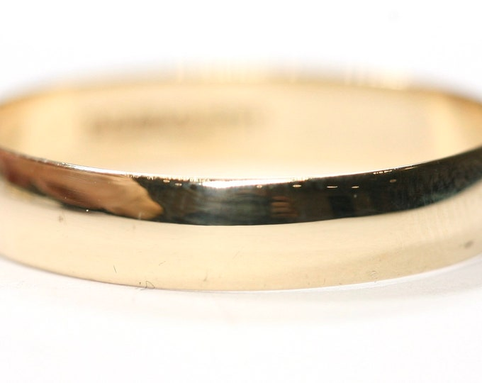 Vintage 9ct yellow gold wedding ring - hallmarked London 1973 - size S or US 9
