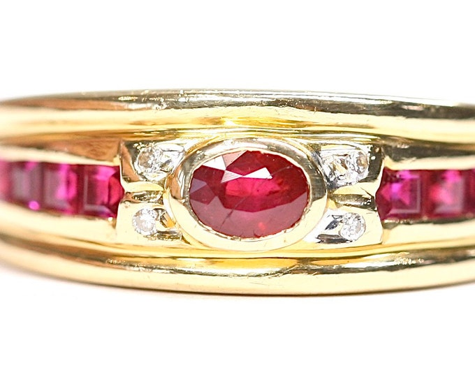 Stunning vintage 18ct yellow gold Ruby & Diamond statement ring - stamped 750 - size O or US 7