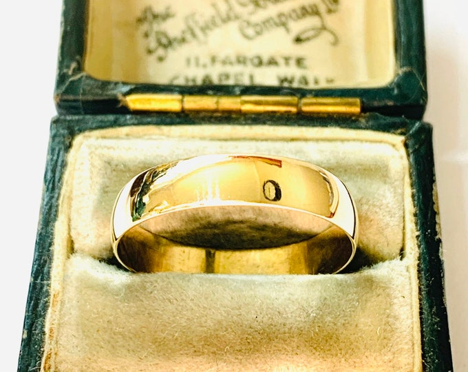 Vintage 9ct yellow gold wedding ring - fully hallmarked - size O or US 7