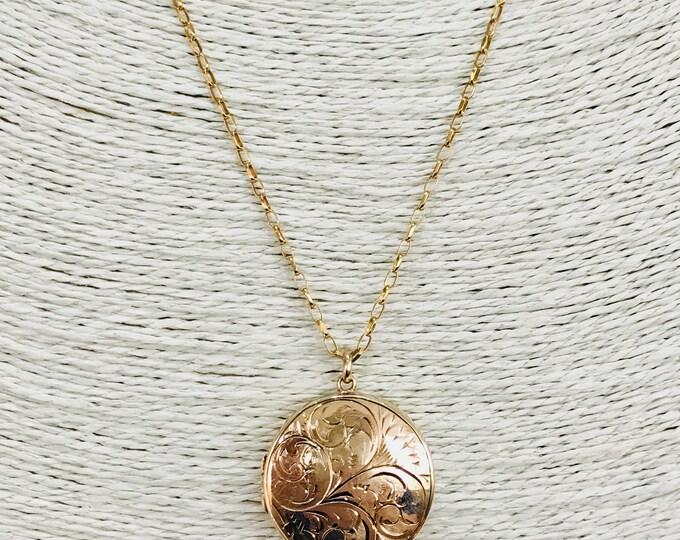 Superb large vintage 9ct yellow gold double locket necklace - hallmarked Birmingham 1973