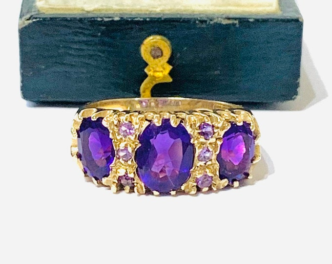 Fabulous vintage 9ct yellow gold Amethyst statement ring - Birmingham 1994 - size O or US 7