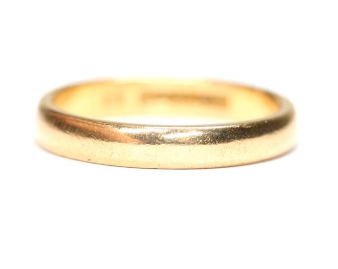 22ct gold wedding ring - hallmarked Birmingham 1964 - size N or US 6 1/2
