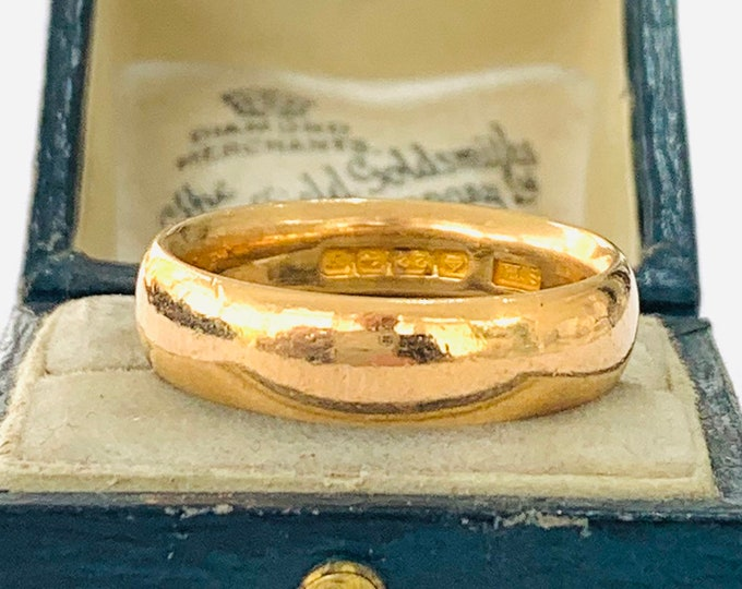 Antique heavy 22ct gold wedding ring - Birmingham 1923 - size Q or 8 - 10.5gms