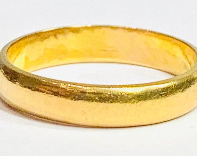 Superb antique 22ct gold wedding ring - hallmarked Birmingham 1936 - size K or US 5