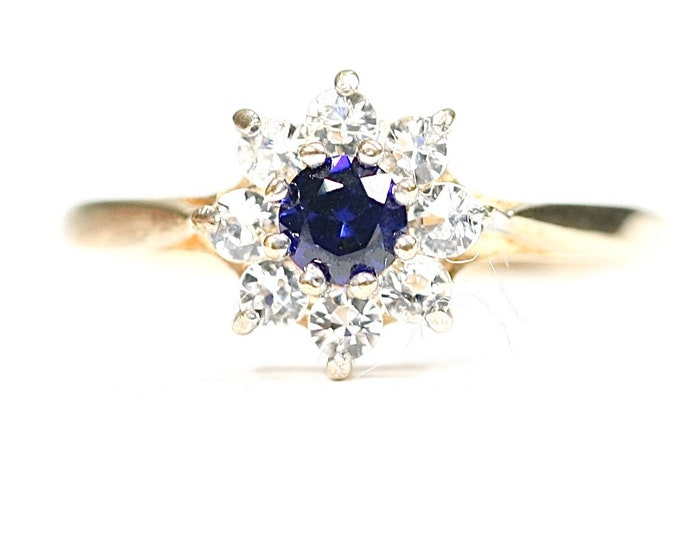 Vintage 9ct yellow gold Sapphire and Cubic Zirconia flowerhead ring - hallmarked Birmingham 1978 - size K 1/2 or US 5 1/2