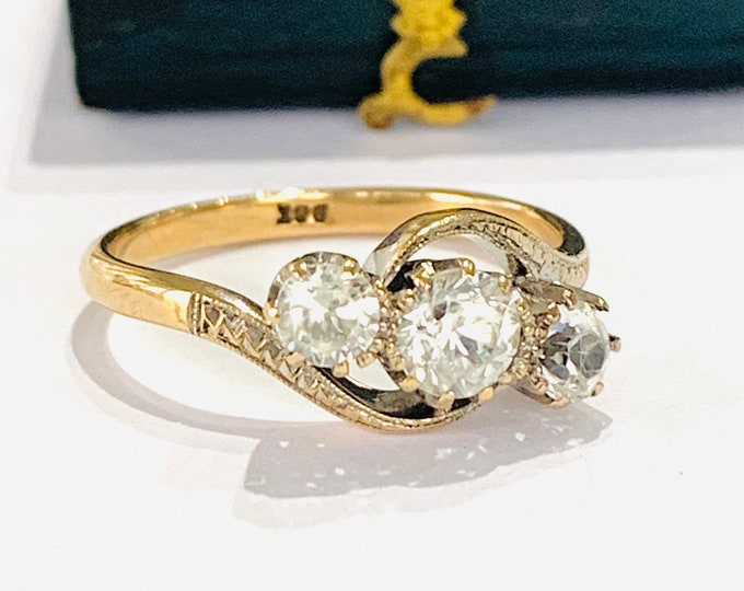 Sparkling antique 9ct gold white paste crossover ring - stamped 9CT - size P 1/2 - 7 3/4