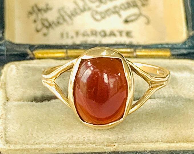 Vintage 9ct gold Carnelian ring - hallmarked Birmingham 1970 - size M 1/2 - 6 1/4