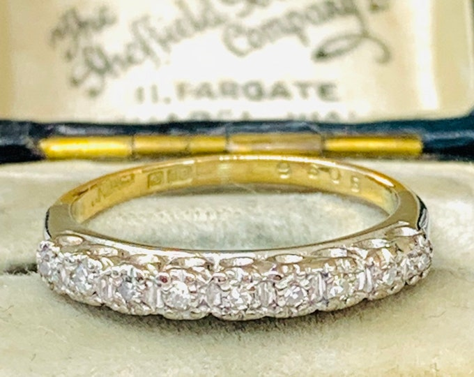 Stunning sparkling antique 18ct gold and platinum Diamond engagement / eternity ring - fully hallmarked - size J 1/2 - 5
