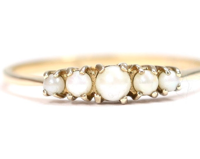 Vintage 9ct yellow gold 5 pearl ring - hallmarked London 1969 - size T or US 9 1/2