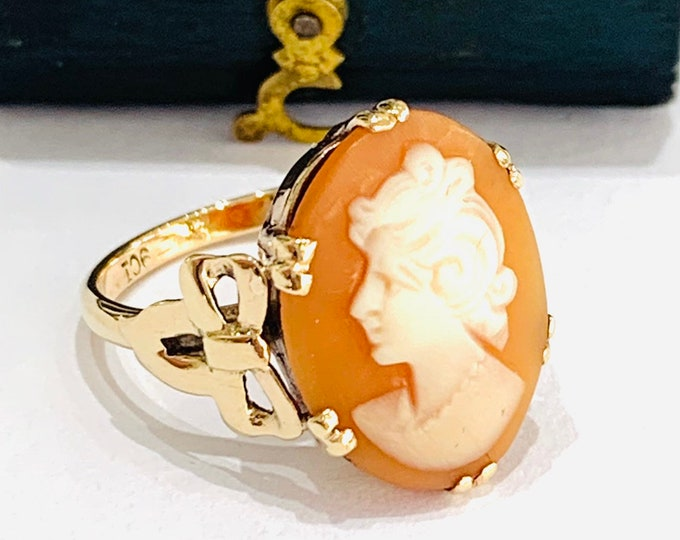 Stunning vintage 9ct yellow gold Cameo ring - size J - 4 3/4