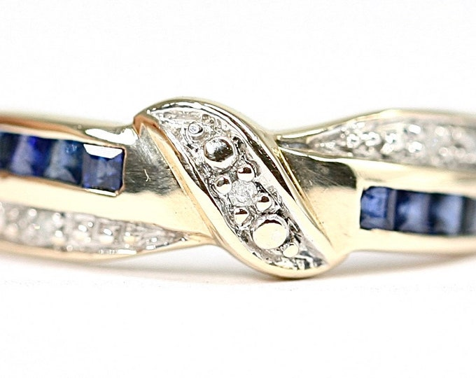 Superb sparkling vintage 9ct gold Sapphire and Diamond crossover ring - fully hallmarked - size O or US 7