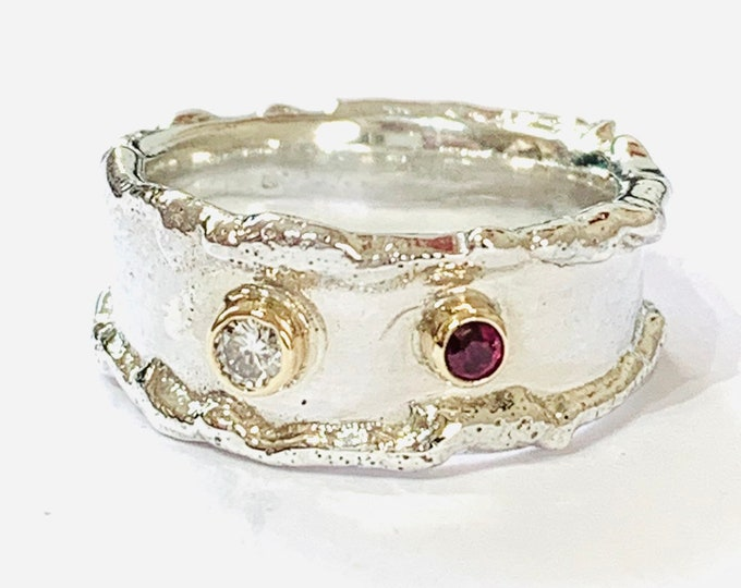 Stunning sterling silver & 9ct gold Diamond and Ruby statement ring - size M or US 6