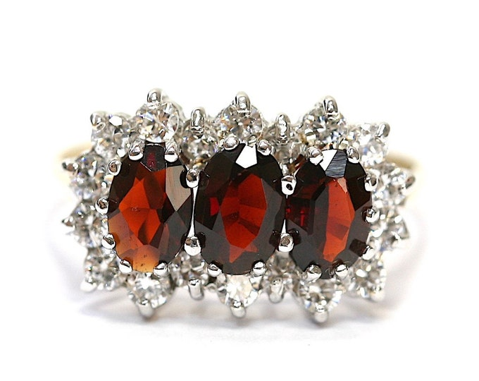 Superb vintage 9ct yellow gold Garnet and Cubic Zirconia ring - Birmingham 1987 - size L or US 5 1/2