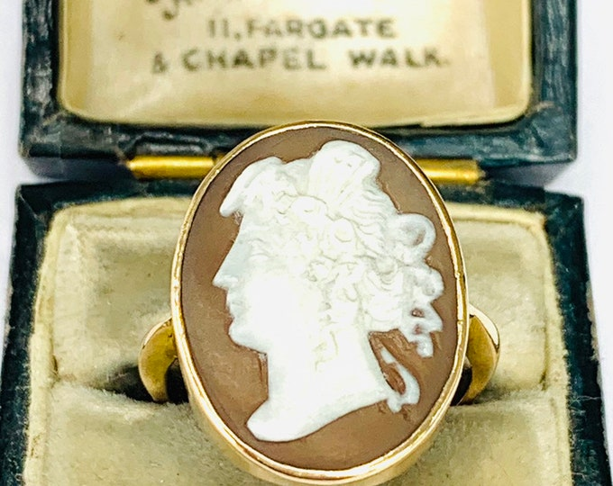 Superb Victorian large 9ct yellow gold Cameo ring - size N - 6 1/2