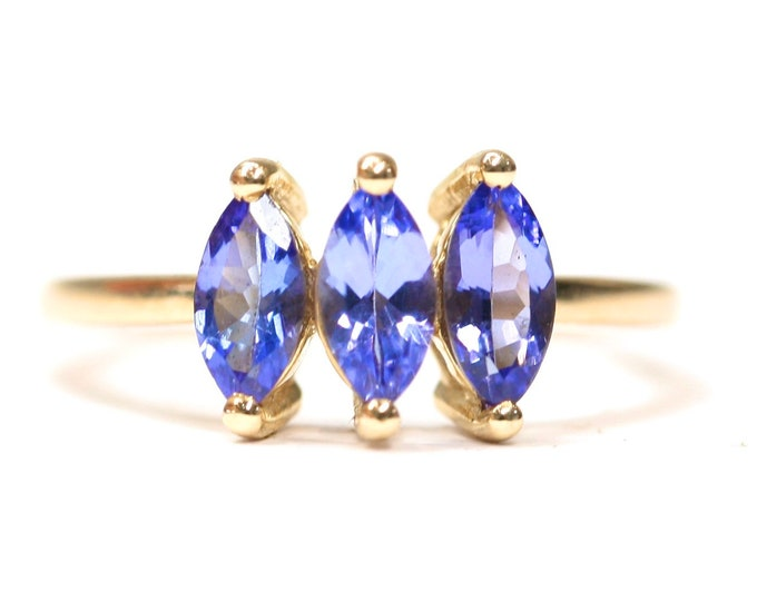 Superb 9ct yellow gold Marquise cut AA Tanzanite ring - fully hallmarked with Certificate of Authenticity - size N or US 6 1/2