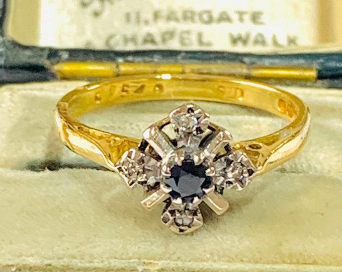 Stunning vintage 18ct gold Sapphire and Diamond cluster ring - hallmarked London 1974