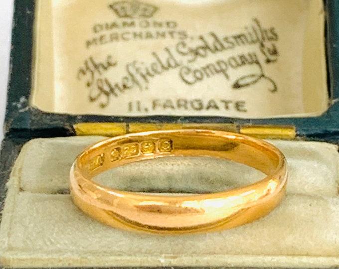 Antique 22ct gold wedding ring - hallmarked Birmingham 1927 - size N - 6 1/2