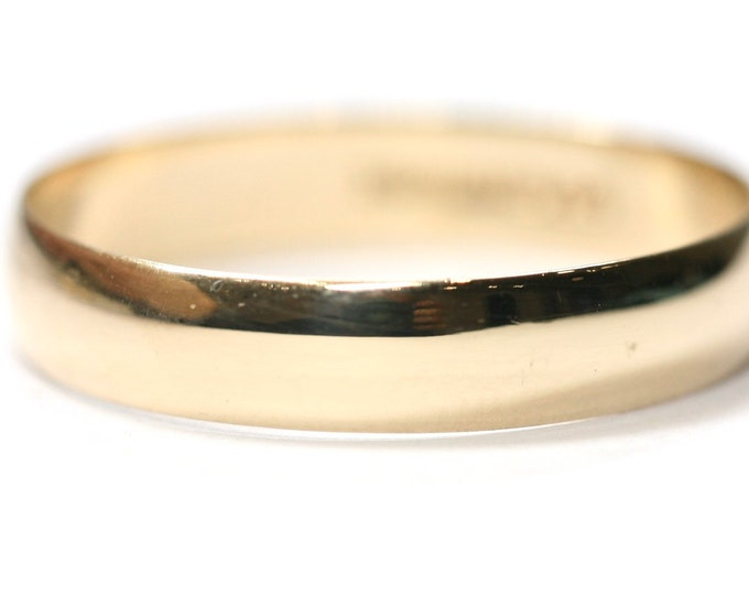 Vintage 9ct yellow gold Men's wedding ring - hallmarked London 1987 - size X or US 11 1/2