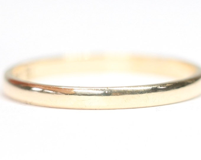 Vintage 9ct yellow gold wedding ring - hallmarked London 1978 - size K or US 5